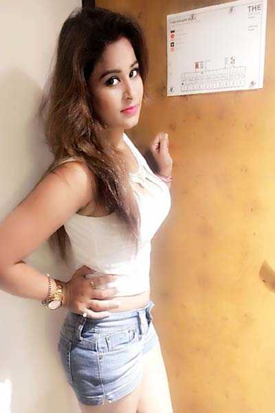 College Escorts Call Girls in Lucknow