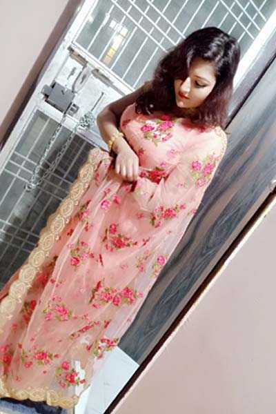 Housewife Lucknow Escorts